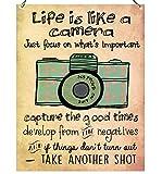 "Wandschild aus Metall mit inspirierender Aufschrift ""Life is like a Camera"", Retro-Design"