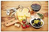 Wallario Herdabdeckplatte/Spritzschutz aus Glas, 1-teilig, 80x52cm, für Ceran- und Induktionsherde, Motiv Genuss am Abend - Rotwein, Käseplatte, Oliven und Tomaten