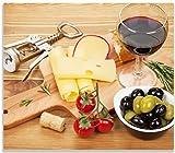 Wallario Herdabdeckplatte/Spritzschutz aus Glas, 1-teilig, 60x52cm, für Ceran- und Induktionsherde, Genuss am Abend - Rotwein, Käseplatte, Oliven und Tomaten
