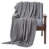 Homescapes kuschelweiche Strickdecke / Tagesdecke / Plaid in Grau mit Zopfmuster 130 x 170 cm - 100% reine Baumwolle - ideal als Wohndecke oder Sofaüberwurf