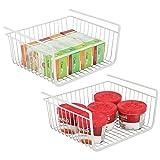 mDesign 2er-Set Hängekorb aus rostbeständigem Metall - großer Aufbewahrungskorb für die Küche und Vorratskammer - robuster Drahtkorb für Lebensmittel und Küchenutensilien  - weiß