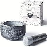 Madeco - Edler Marmor Mörser mit Stößel - Perfekt geeignet für Gewürze, Kräuter & Nüsse - Steinmörser Set mit praktischem Antirutsch-Pad (14 x 8,5 cm)