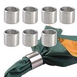 mDesign 8er-Set Serviettenringe - praktische Serviettenhalter aus gebürstetem Edelstahl - stilvolle Stoffserviettenringe für festliche Anlässe - mattsilber