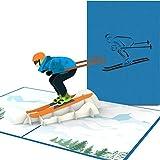 PaperCrush® Pop-Up Karte Skifahrer [NEU!] - Handgemachte Gutscheinkarte für Skifahren, Gutschein für Skiurlaub oder Skischuhe - Lustige Ski Geburtstagskarte inkl. Umschlag