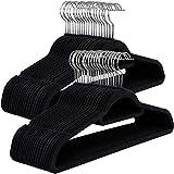 SONGMICS Kleiderbügel, 50 Stück, je 0,6 cm dick, Anzugbügel mit Rutschfester Oberfläche, Samt, mit Zwei Einkerbungen, um 360° drehbarer Haken, dünn und platzsparend, schwarz CRF50B