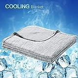 Luxear kühlende Kuscheldecke, mit Q-Max 0,4-Kühlfasern Kühldecke, 2 in 1 doppelseitige Baumwolle Wohndecke, flauschige und weiche Sofadecke Baby Decke Outdoor Decke , 150 x 200cm, grau