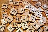 LeSB 100 Stück Scrabble Buchstaben Scrabblefliesen zum Spielen | Scrabblesteinen Ersatz Fliesen aus Holz für Handwerk Dekoration | Scrabblesersetzer mit Zahlenwerte