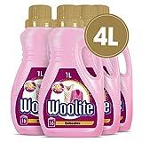 Woolite Wolle & Feines – Pflegendes Feinwaschmittel für Maschinen- & Handwäsche – Für 64 Waschladungen – 4er Pack (4 x 1l)
