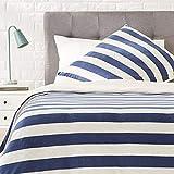AmazonBasics - Bettwäsche-Set, Jersey, breite Streifen, 135 x 200 cm / 80 x 80 cm, Marineblau