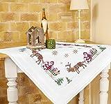Wundervolle Stickpackung ' FRÖHLICHE WEIHNACHTEN ' mit zauberhaften Rentieren und dem Weihnachtsmann auf einem Schlitten - Stickdecke 80 cm x 80 cm - Kreuzstich vorgezeichnet - Stickgarn aus 100 % Baumwolle - qualitativ hochwertig - zum Sofort-Loslegen - Mitteldecke 80x 80 - zum Selbersticken - aus dem KAMACA-SHOP - Advent Weihnachten Herbst