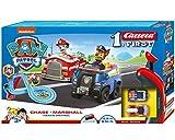 Carrera FIRST PAW PATROL Track Patrol 2,4m Rennstrecken-Set | 2 ferngesteuerte Fahrzeuge mit Chase und Marshall | mit Handregler & Streckenteilen | Spielzeug für Kinder ab 3 Jahren