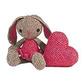 HardiCraft Häkelpaket Häkelset zum selber Machen mit Anleitung und Material für Kaninchen Pipa mit Herz, ca 20 cm, Herz 10 x 10 cm. Individuelles Geschenk