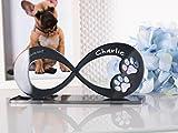 CHRISCK design Gedenkstandbild Gedenktafel Hund mit Gravur Infinity Form mit Tatzen Pfoten Grabstein Grabplatte Hundepfote für Hunde Katzen Katze aus Hochglanz Acryl Andenken mit Namen